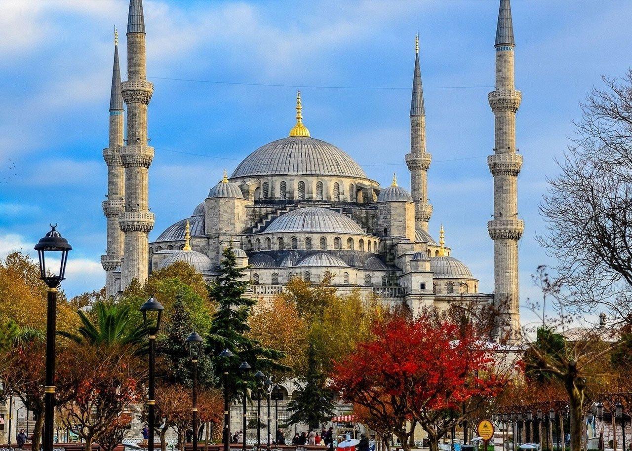 آفر تور استانبول تاریخ 16 آذر تا 5 بهمن